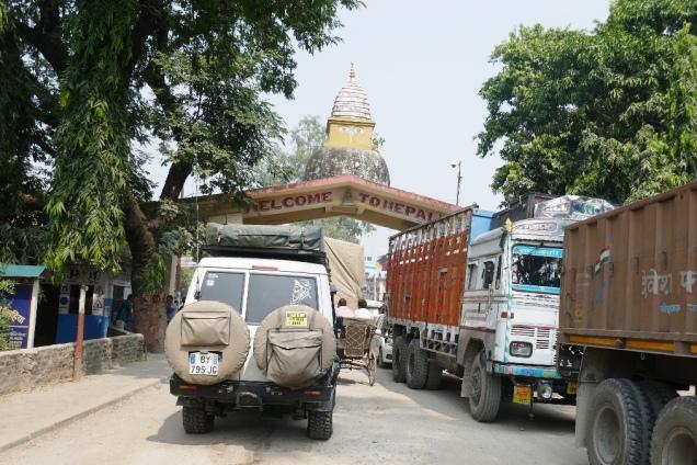 Entrée au Népal